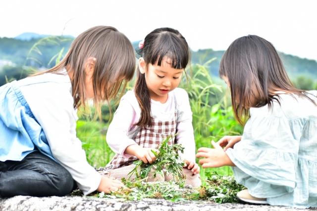 「年長」の子どもの特徴と成長の目安は?子育てのポイントや小学校入学前の準備について