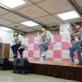 「抱っこひもダンス」を披露!子育て応援アイドルALOMAがステージ デビュー